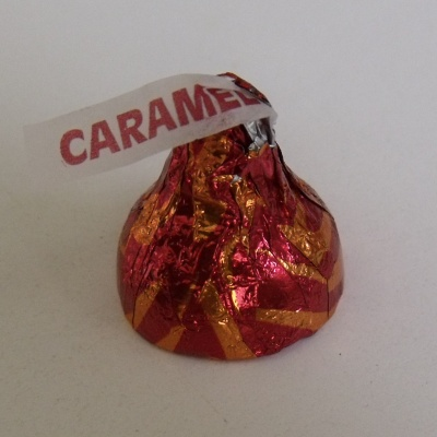 kisses-caramelapple3.jpg